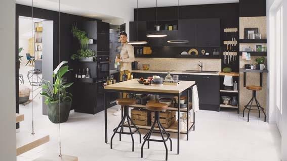 cuisine équipée Cuisinella noir et bois