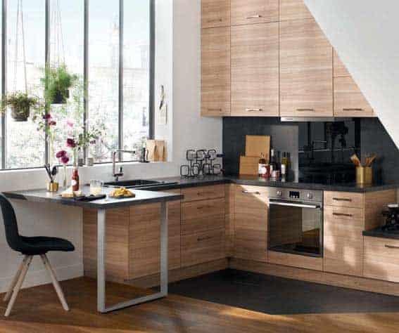 modèle de cuisine bois brut et noir