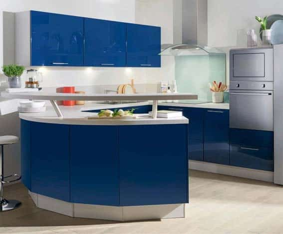 cuisinée équipée bleu brillant